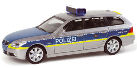 bmw 5er touring autobahnpolizei darmstadt herpa 048613 modellautos 1 87. Black Bedroom Furniture Sets. Home Design Ideas