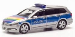 VW Passat Variant Polizei Lübeck CSD